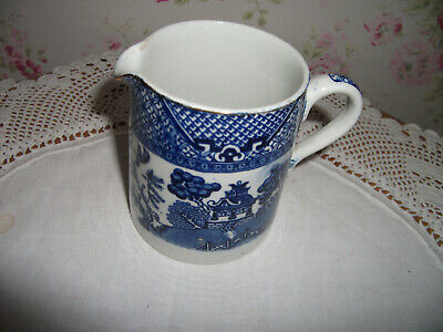 Collectors' Vintage Blue & White Old Willow Cream Jug • 3.99£