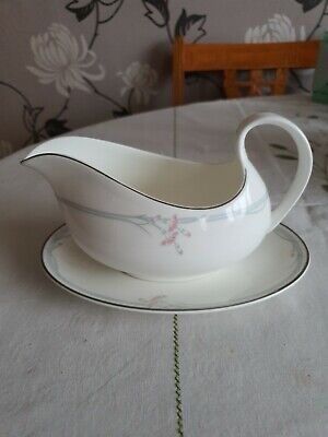Royal Doulton Carnation Gravy Boat Jug And Stand Plate Pattern H5084 • 8£