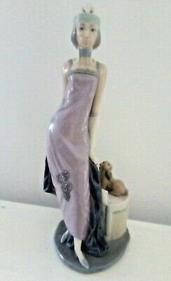 Lladro 5174   Couplet Lady  -  Mint Condition Unboxed • 160£