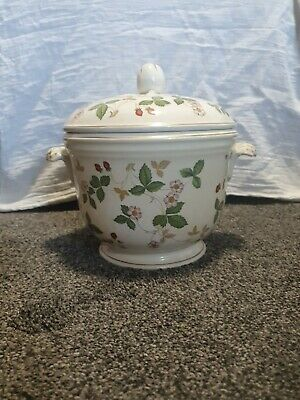 Wedgwood Wild Strawberry RARE Ice Bucket Including Internal Fittings And Basket • 9.99£